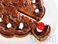 Рецепта Меден кекс / сладкиш с канела, орехи и стафиди